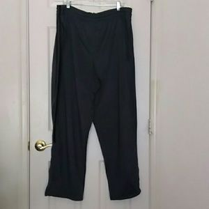 Athletic pants 2XL/2XG. gray with, black stripes